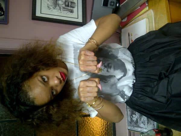 Rihanna Gets Thug Life Tattooed On Her Hands