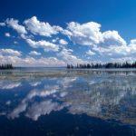 Yellowstone_Lake,_Yellowstone_National_Park